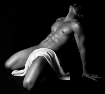 hombre con toalla