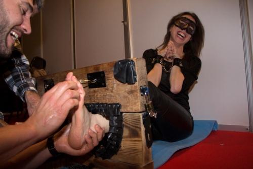 tickling - cosquillas